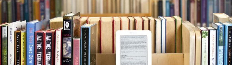 e-reader tussen boeken